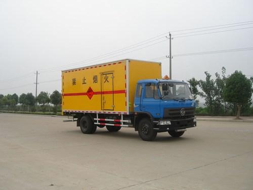 东风153专业型防破车