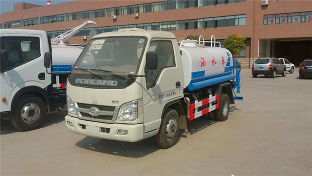 福田2吨2600小型国四洒水车