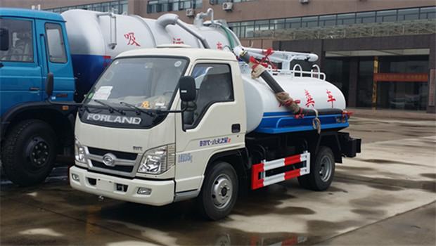 小型可上户福田2600吸粪车(2吨)